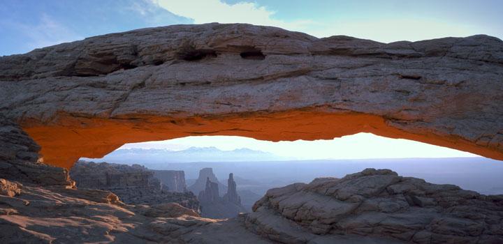 Mesa_Arch_CanyonlandsNPS-ek